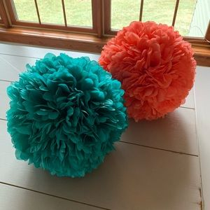 Hanging decorative fabric puffs - coral/teal